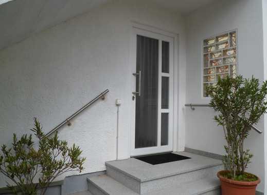 Helle, exklusive Wohnung mit West-Terrasse und Garten