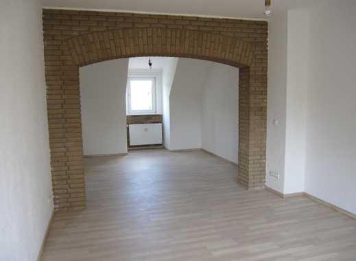 Gepflegte 3,5-Zimmer-Dachgeschosswohnung mit Klimaanlage, ruhige, zentrale Lage in Essen Borbeck