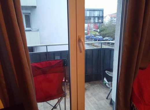 Möblierte, sehr helle 1-Zimmer Wohnung in Stadt-/Mainnähe und Blick auf Weinberge