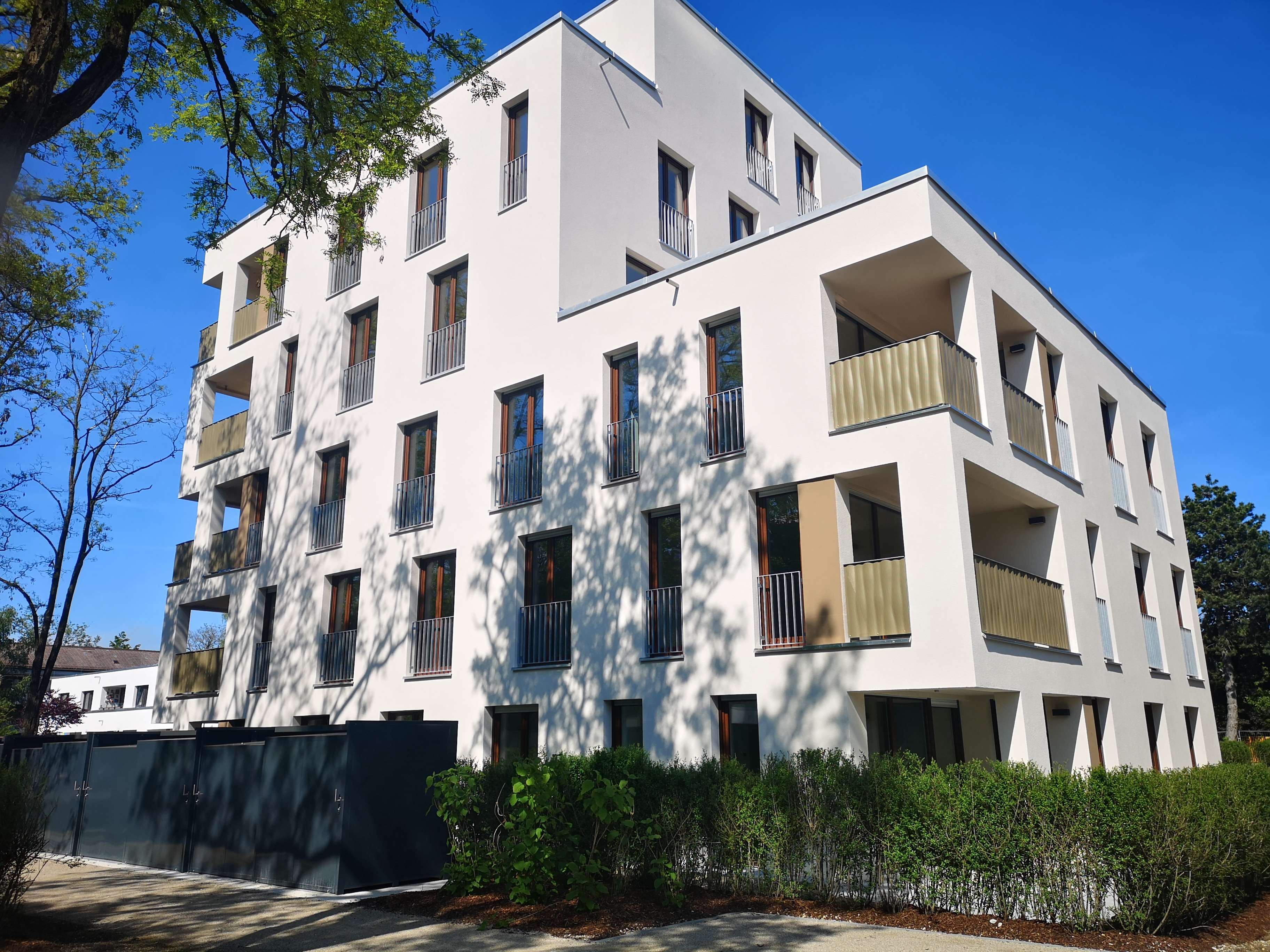 ERSTBEZUG! Gigantische Wohnung mit Dachterrasse  ab September zu vermieten! in Hasenbergl (München)