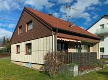 Charmantes Einfamilienhaus mit Garten in