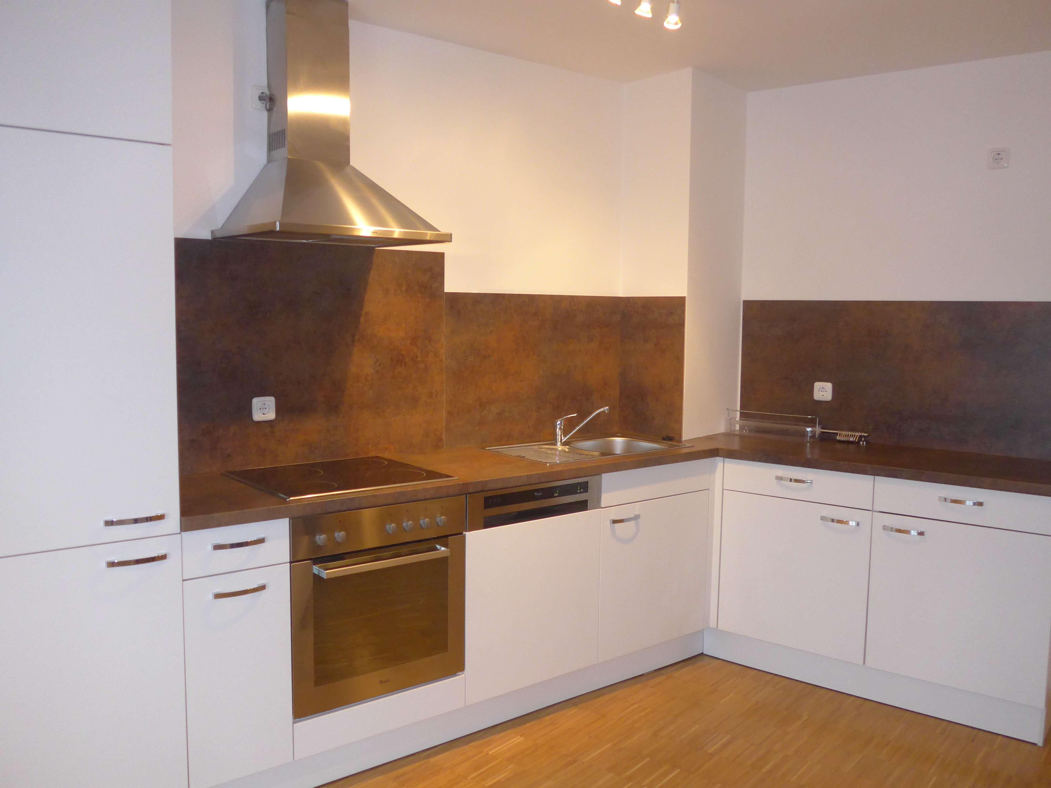 super geschnittene 3 Zimmer Wohnung mit Gartenanteil und Einbauküche