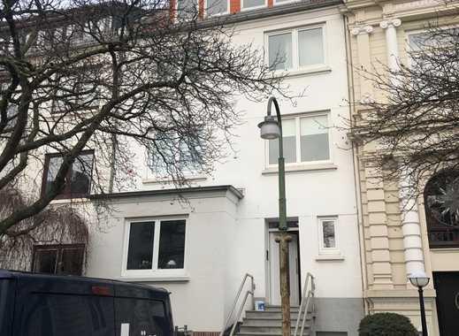 Gepflegte 3-Zimmer-Dachgeschosswohnung mit Einbauküche in Bremen