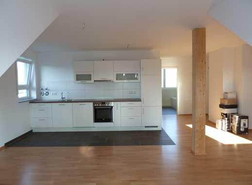 Exklusive, neuwertige 2-Zimmer-DG-Wohnung mit Balkon und Einbauküche in Erlangen-Dechsendorf