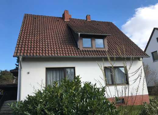 RUDNICK bietet WUNSTORF OSTASTADT: 1-2 Familienhaus auf großem und eingewachsenen Grundstück