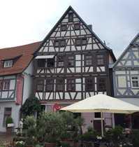 Denkmalgeschütztes Wohn- und Geschäftshaus