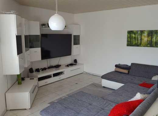 Helle, großzügige 2,5-Zimmer-Wohnung mit Terrasse, Stellplatz und Einbauküche in Bad König/N.-Kinzig