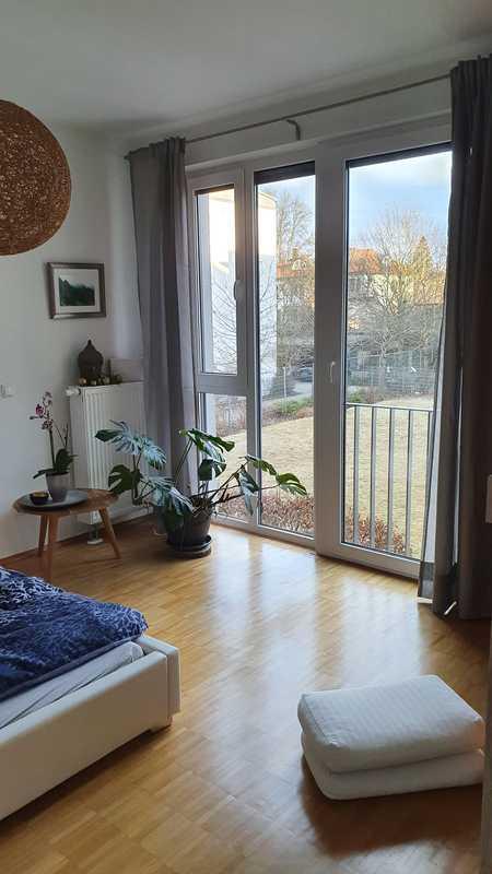 Helle Wohnung in ruhiger Wohnanlage 3Zimmer, EBK, Loggia, Badewanne in Freising