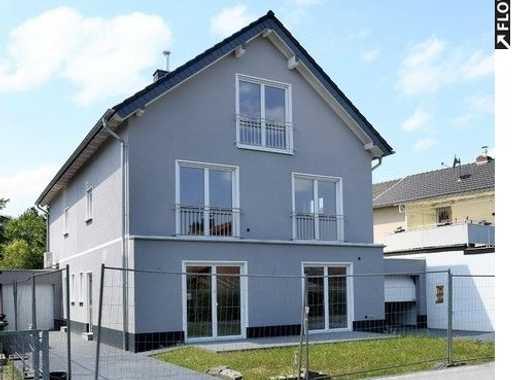 Helles & großzügiges Architektenhaus: Mit Terrasse und idyllischem Vorgarten. In Bonn.