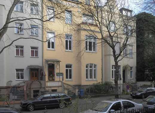 Modernisierte Wohnung in einem Gründerzeithaus in der Bonner Südstadt