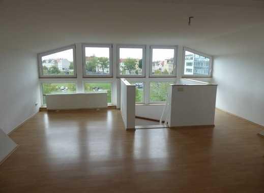 ***HOCH HINAUS im Szeneviertel***Helle 2-Zimmer im Dachgeschoss in Neustadt-Neuschönefeld