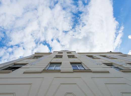 3 Zimmer, Wohnküche im Gründerzeithaus, EBK,Bad mit Wanne, EG