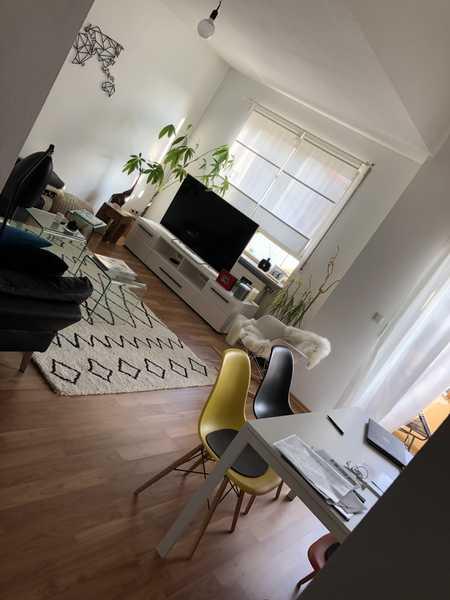 Helle sonnige 2,5-Zi-Maisonetten-Wohnung mit Balkon und Einbauküche (auch möbliert) in Süd (Ingolstadt)