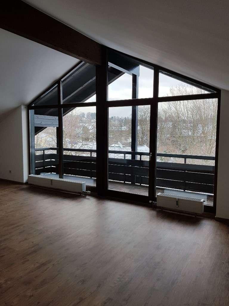 Schöne, geräumige 1 Zimmer Dachgeschosswohnung in Murnau in Murnau am Staffelsee