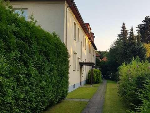 Vollstandig Renovierte 2 Zimmer Hochparterre Wohnung Mit Terrasse