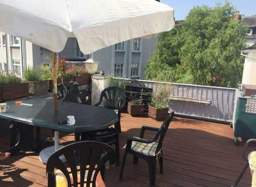 Modern Möblierte 2 - Zimmer Wohnung mit großem Balkon in ruhiger Lage in Frankfurt Niederrad