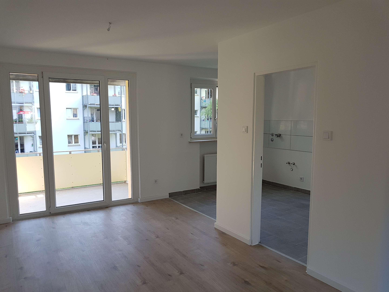 ***Hell, geräumig- 3-Zi-Wohnung (vollsaniert) freut sich auf neue Mieter*** in Feldkirchen (Straubing-Bogen)