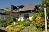 RESERVIERT---Großer Bungalow mit Garten und