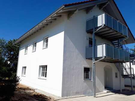 Erstbezug nach Umbau  - 3 Zimmer-DG-Wohnung mit Balkon und Gartenanteil und Garage in Ampfing