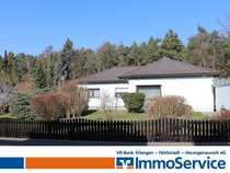 Bild Haus mit Doppelgarage in idyllischer Lage