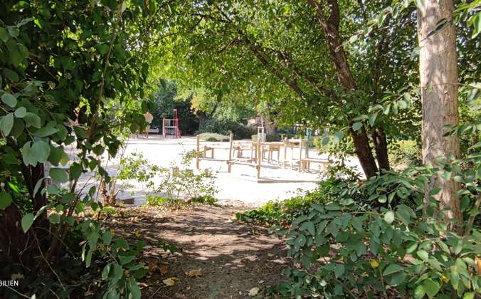 Stadtpark mit Spielplatz