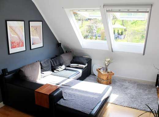 Zentral/naturnah gelegene möblierte 2,5 Zimmer Wohnung in Stuttgart Ost (Gaisburg)