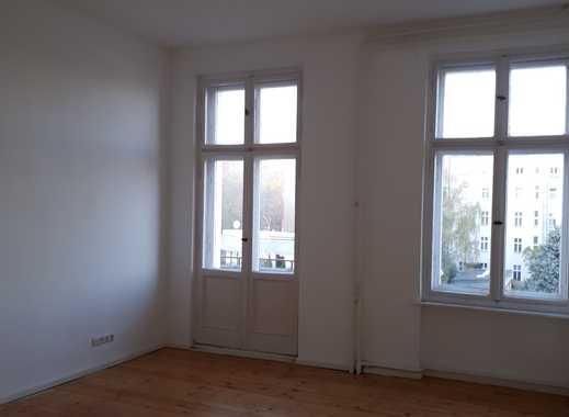 Möblierte 3-Zimmer-Altbauwohnung mit Balkon im Westend