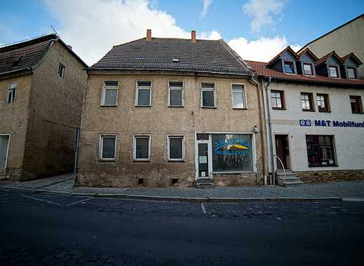 Wohn-/Geschäftshaus am Marktplatz und Rathaus