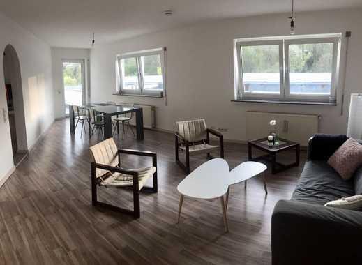 Schönes Zimmer zu vermieten (Wohnung 110m^2)