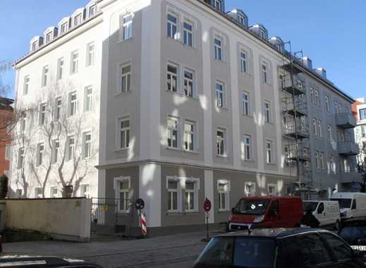 Attraktive 2-Zimmer-Wohnung mit Balkon im generalsanierten denkmalgeschützten Altbau