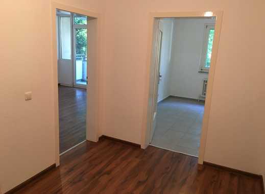Wohnen im EG!! Renovierte 2-Zimmer-Whg. + Balkon & Duschbad! Die erste Miete geht auf uns!