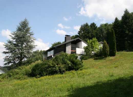 ***Repräsentative Villa mit ELW um 1980 erbaut in einmaliger Waldrandlage mit Fernsicht in Höchst***