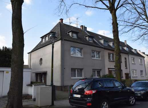 Sehr schöne, 3-Zimmer-Wohnung mit Loggia in beliebter Lage von Düsseldorf-Benrath