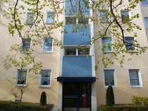 Bild Herrliche 2,5 Zimmer-Wohnung mit Balkon, Keller im Top-Zustand sucht neue Familie.