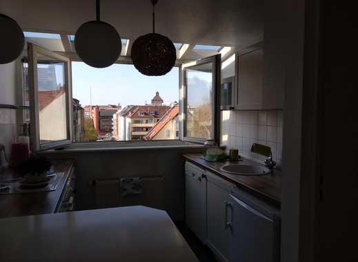 Lichtdurchflutete, extravagante Perle über den Dächern Nürnbergs - zentral, ruhig, inklusive Garage!