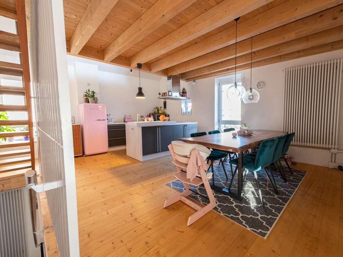 Romantische Scheune / 3-Raum-Maisonettewohnung mit Balkon (wie Doppelhaushälfte) für Individualisten in