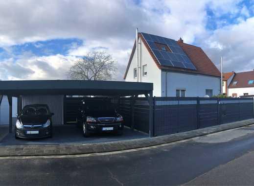 Modernisierte, kleine Doppelhaushälfte mit drei Zimmern in Beindersheim