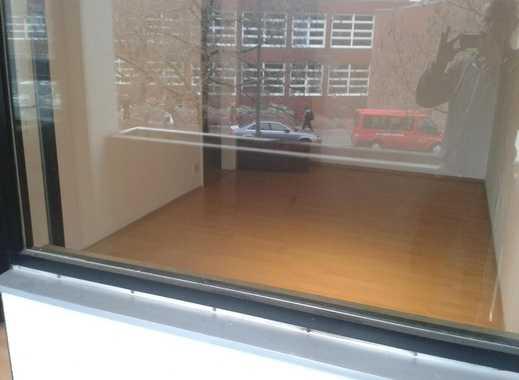 Vermiete ab sofort 1 helles Zimmer mit Balkon und Küchenmitbenutzung in zentraler Lage in Unterschle