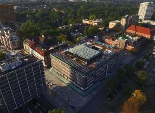 Gelsenkirchen-City (Nähe Hans-Sachs-Haus) Maisonettewhg., 3 1/2 Raum in gepflegtem MFH - v. Privat