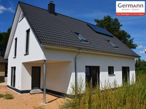 Grosses Einfamilienhaus Mit Uberdachter Terrasse