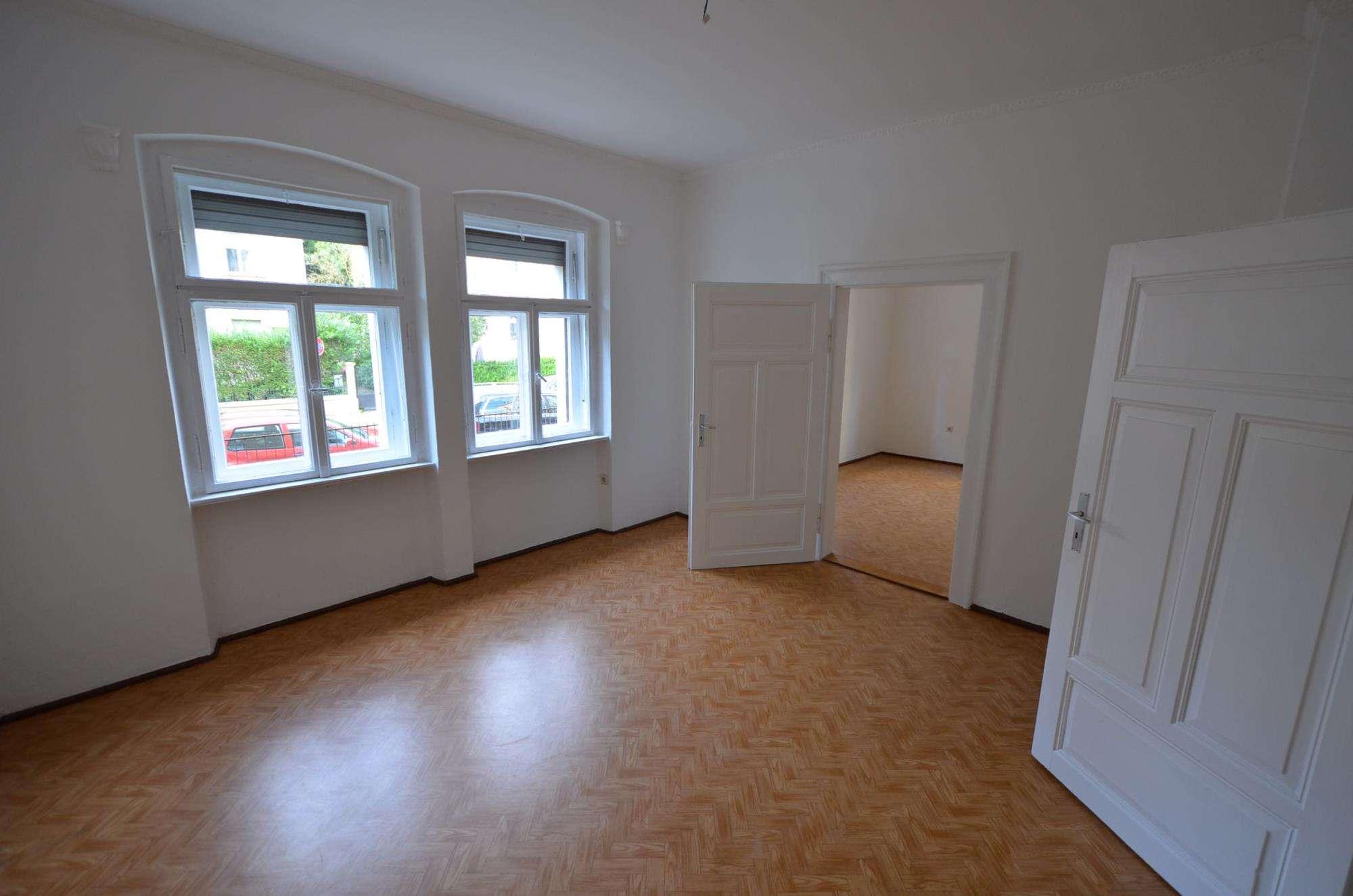 NUR Einzelperson ab 30 Jahre!! Helle charmante 2,5-Zi.-Jugendstilwhg. mit Wohnküche in Rgbg/inn.O... in Ostenviertel (Regensburg)