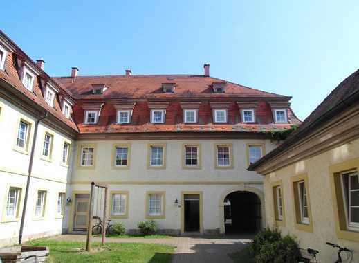Günstige, gepflegte 2-Zimmer-Wohnung mit Einbauküche in Bad Königshofen im Grabfeld