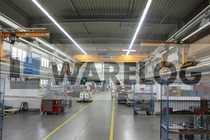 Produktions- Lagergebäude mit Verwaltungsgebäude zu