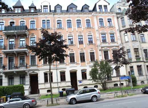 2 Raum Wohnung mit 59m² Laminat, Aufzug, Bad mit Wanne