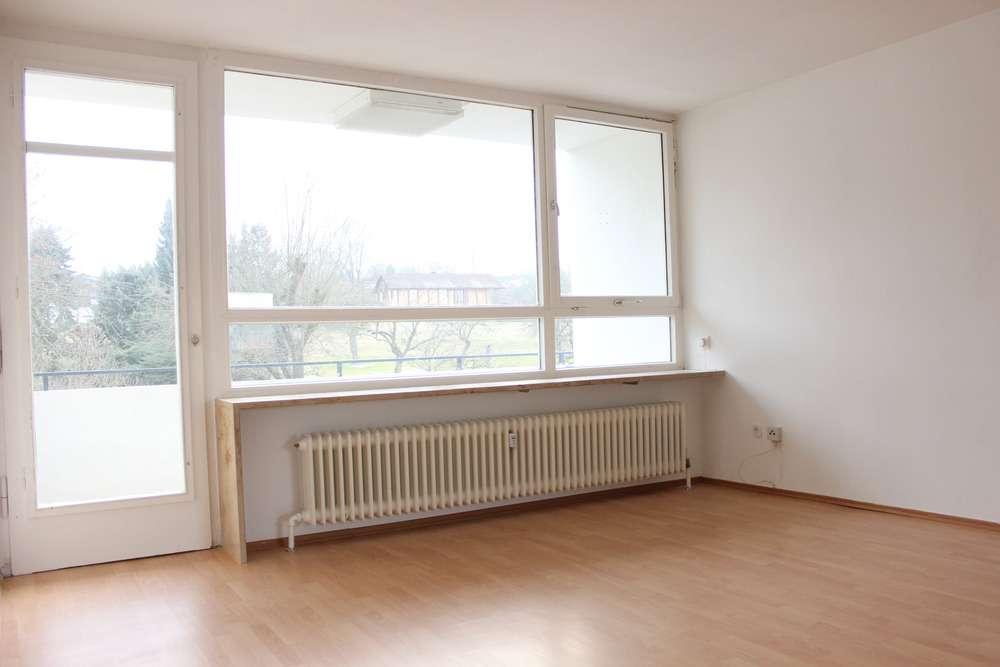 Geräumige 3,5-Zi-Whg mit Balkon und Garage - kurzfristig frei!