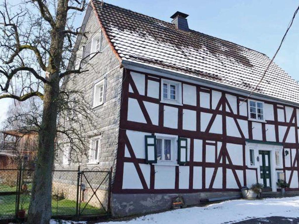 Baumarkt Waldbröl urgemütliches fachwerk bauernhaus mit nebengebäude in idyllischer