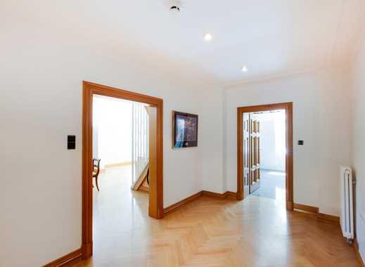 Wunderschöne Wohnung mit 2,5 Zi und 75 m2 im Gustav-Selve-Palais