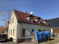 Sanierungsbedürftiges freistehendes Einfamilienhaus mit sehr