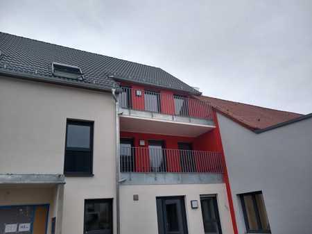 Erstbezug mit Balkon: attraktive 3,5-Zimmer-Maisonette-Wohnung in Neustadt an der Aisch in Neustadt an der Aisch