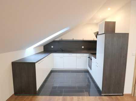 !!! moderne  2 Zimmer-Dachgeschosswohnung !!! in Dingolfing